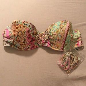 NWOT Victoria's Secret strappy swim top 32B